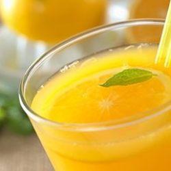 عصير البرتقال بقشور الحامض