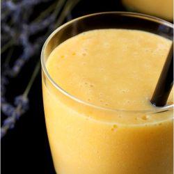 عصير الخوخ والمشمش بحليب نيدو
